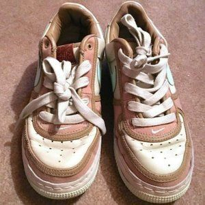 NIKE AIR TAN PINK IVORY LIGHT BLUE SNEAKERS SIZE 6